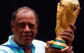 Brazilian Football Legend Carlos Alberto Dies After Heart Attack